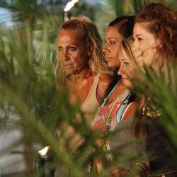 Rosa Benito, Tatiana Delgado, Rosi Arcas y Raquel Sánchez Silva en la final de 'Supervivientes 2011'