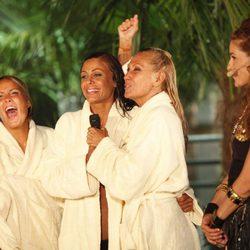 Rosi Arcas, Tatiana Delgado, Rosa Benito y Raquel Sánchez Silva en la final de 'Supervivientes 2011'