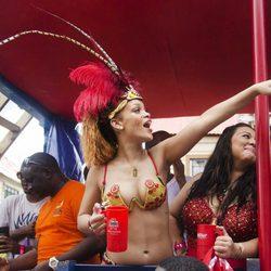 Rihanna desatada en el Barbados Kadooment Day Parade