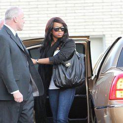 Bobbi Kristina a su llegada al funeral de su madre