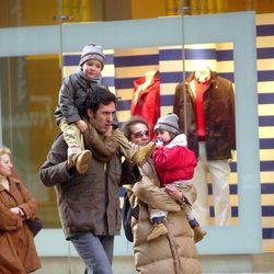 La Infanta Elena, Jaime de Marichalar, Froilán y Victoria en Nueva York en 2003