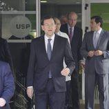 Mariano Rajoy visita al Rey en el hospital USP San José de Madrid