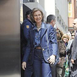 La Reina Sofía llegando al Hospital San José de Madrid para visitar al Rey