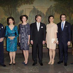Los Reyes y los Príncipes de Suecia con el Presidente de Finlandia y su esposa