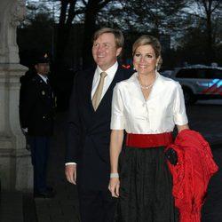 Guillermo y Máxima de Holanda en un concierto en Amsterdam