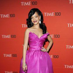 Rihanna en la alfombra roja de la gala celebrada por la revista Time 2012