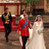Los Duques de Cambridge el día de su boda junto al Príncipe Harry y Pippa Middleton