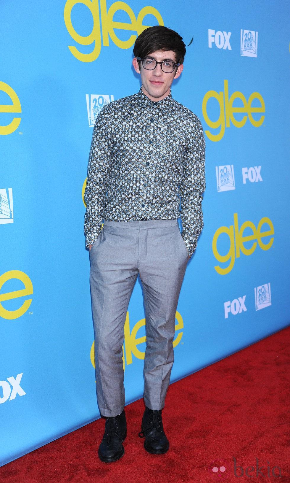 Kevin McHale en la fiesta de 'Glee' organizada por Fox