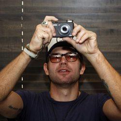 Matt Davis fotografía a la prensa en Barcelona