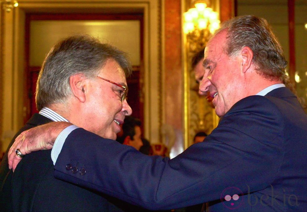 Felipe González y el Rey Don Juan Carlos - Juan Carlos I de España: repaso  a sus 39 años como Rey - Foto en Bekia Actualidad