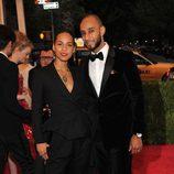 Alicia Keys y Swizz Beatz en la alfombra roja de la Gala del MET 2012