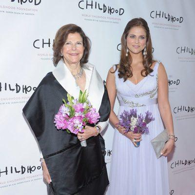 La Reina Silvia de Suecia y Magdalena de Suecia en la gala World Childhood Foundation en Nueva York