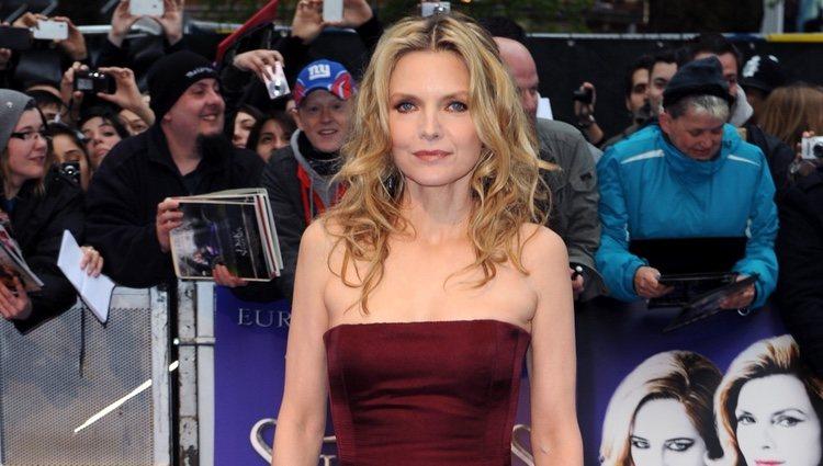 Michelle Pfeiffer en el estreno de 'Dark Shadows' en Londres