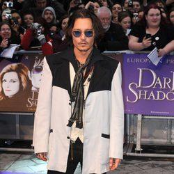 Johnny Depp en el estreno de 'Dark Shadows' en Londres