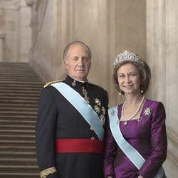 Foto oficial de los Reyes de España
