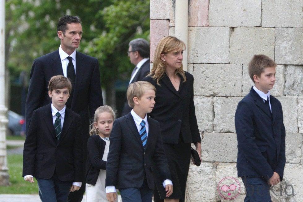 Resultado de imagen de Iñaki Urdangarín y Cristina palacio de Justicia