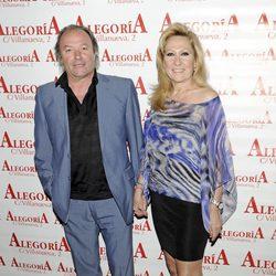 Amador Mohedano y Rosa Benito en el 33 cumpleaños de su hija Chayo