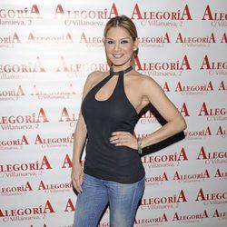 Ivonne Reyes en el 33 cumpleaños de Chayo Mohedano