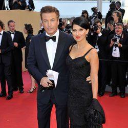 Alec Baldwin e Hilaria Thomas en la apertura del Festival de Cannes 2012