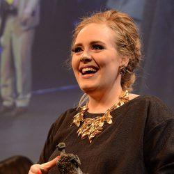 Adele en la entrega de los Premios Ivor Novello 2012
