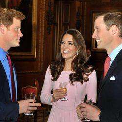El Príncipe Harry y los Duques de Cambridge en Windsor
