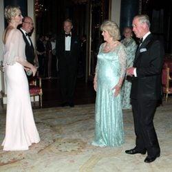 Carlos y Camilla reciben a los Príncipes de Mónaco en una cena de gala en Buckingham Palace