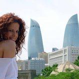 Pastora Soler en Bakú, ciudad de Eurovision 2012, con las Torres Flame de fondo