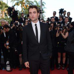 Robert Pattinson en la alfombra roja de Cannes 2012
