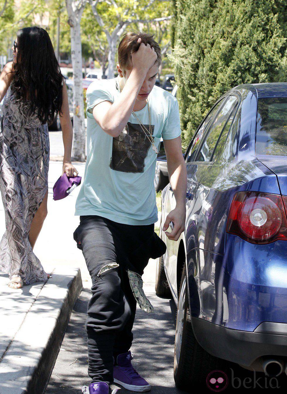 Justin Bieber muy enfadado tras un encontronazo con un fotógrafo