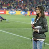 Sara Carbonero, a pie de campo
