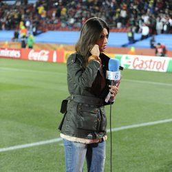 Sara Carbonero preparándose para una conexión en directo