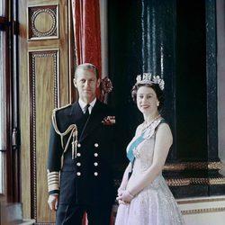 La Reina Isabel II y el Duque de Edimburgo en 1957