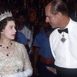 La Reina de Inglaterra y el Duque de Edimburgo en una visita oficial a Nueva Guinea en 1982