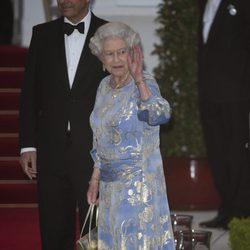 La Reina de Inglaterra en la cena de gala previa a la boda de los Duques de Cambridge