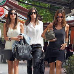 Isabel Jiménez y Sara Carbonero paseando por Madrid