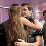 Iker Casillas besa a Sara Carbonero en la presentación de la Eurocopa 2012