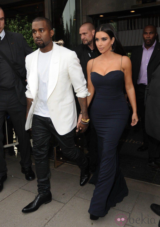 Kanye West Kim Kardashian dating historia
