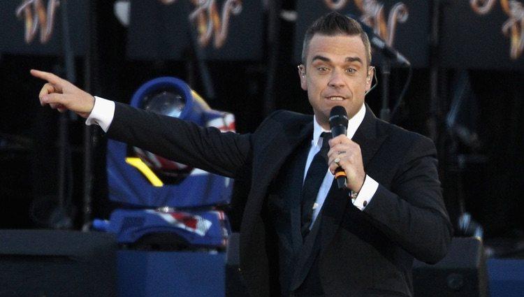 Robbie Williams en el concierto del Jubileo de Diamante de la Reina Isabel II