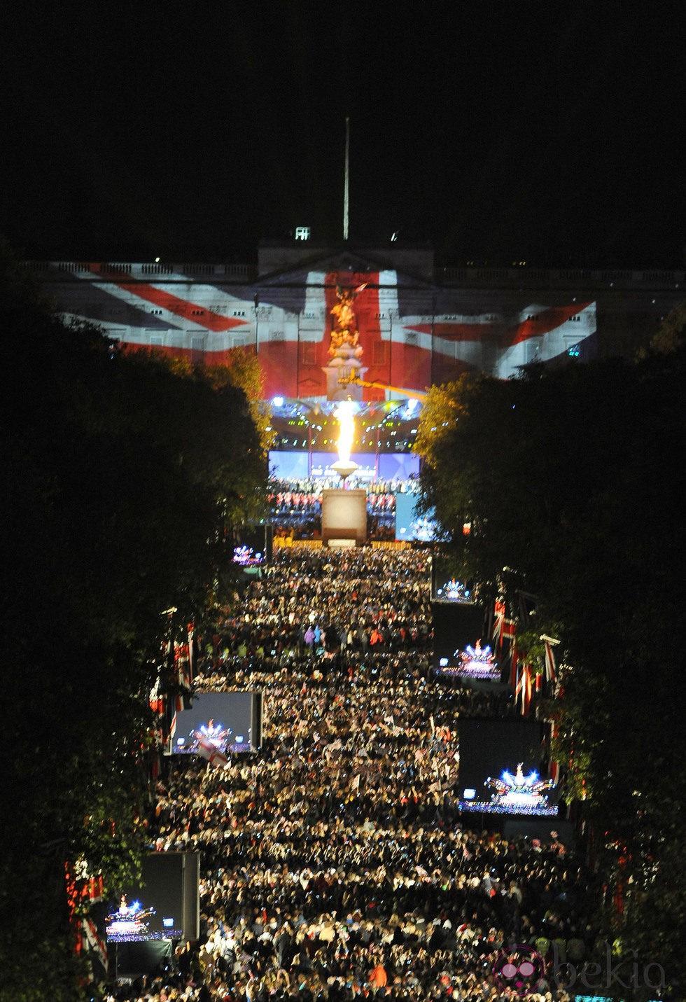 Luces y colores en el concierto del Jubileo de la Reina Isabel en Londres