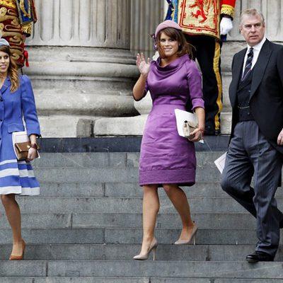 El Duque de York y las Princesas Beatriz y Eugenia en la misa del Jubileo de Diamante