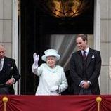 La Reina, el Príncipe Carlos, la Duquesa de Cornualles y los Duques de Cambridge en el Jubileo