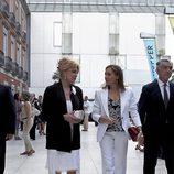 Carmen Cervera y Elvira Fernández Balboa en la inauguración de la exposición 'Hopper'