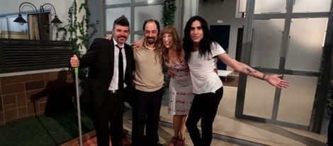 Mario Vaquerizo junto a parte del reparto de 'La que se avecina'