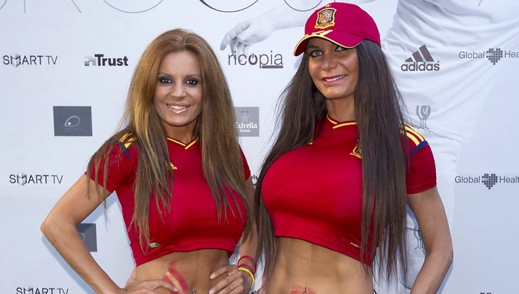 Sonia Monroy y Yola Berrocal acudieron a ver el partido España-Irlanda de la Eurocopa 2012