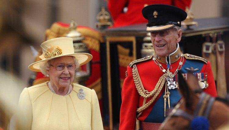 La Reina Isabel II y el Duque de Edimburgo en el Trooping The Colour