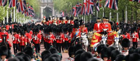 La guardia británica desfila en Trooping The Colour