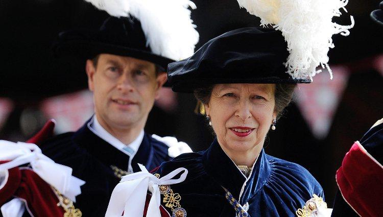 El Conde de Wessex y la Princesa Ana en la ceremonia de la Orden de la Jarretera