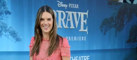 Alessandra Ambrosio en el estreno de 'Brave' junto a su hija Anja Louise