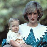 Lady Di con el Príncipe Guillermo de Inglaterra cuando era pequeño