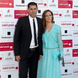 Fernando Hierro y su mujer en la cena de la Fundación Isabel Gemio